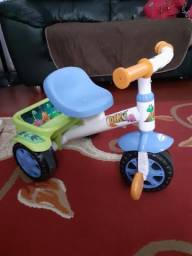 Vendo triciclo infantil , em perfeito estado pouco tempo de uso