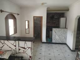 DOS-06- Alugo ótima casa com 2 pavimentos e 3 qts com varanda em Jacaraipe