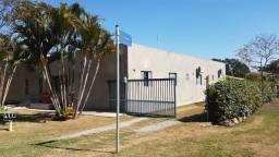 Casa térrea à venda em condomínio de chácaras
