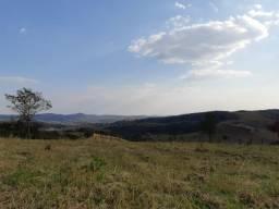 Terrenos 20.000m² Condomínio Fechado Excelente Localização. Financiamos
