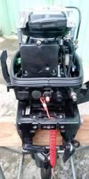 Motor de Popa Suzuki 15 HP - Barco