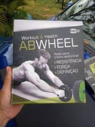 Equipamentos de exercício e musculação.