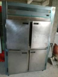 Geladeira 4 portas