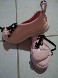 Sapatos infantis seminovos ?