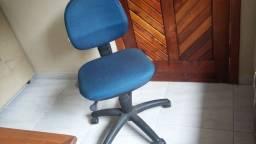 Cadeira para escritório com rodinhas