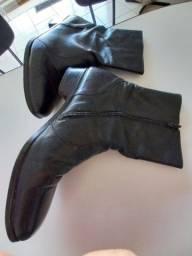 Bota masculina cano curto