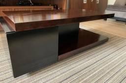Mesa de madeira de centro