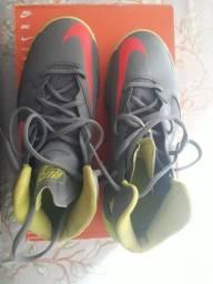 Tênis Nike Prime Hype