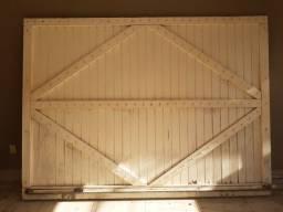 2 Portões social e garagem em madeira maciça