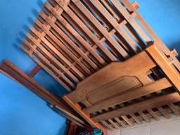 Vendendo cama de casal de madeira