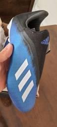 Chuteira Adidas X campo