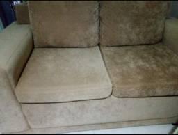 Vendo sofá  semi novo 2 lugares( brinde uma banquinha pra telefone)