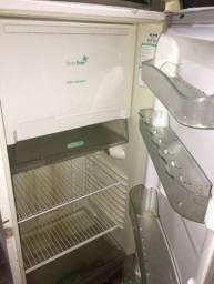 Troca-se! Essa geladeira funcionando por um Chromecast