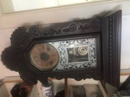 Relógio antigo de corda vovozinha