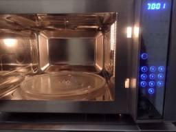 Título do anúncio: Microondas Electrolux Inox Grill 31L -Tela Touch screen -Estado de novo