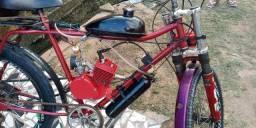 Vendo uma bicicleta elétrica no valor de 1.300