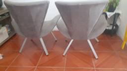 Vendo  essas cadeiras por estado de uso motivo mudança