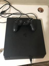 PS4 slim 1TB pouco usado