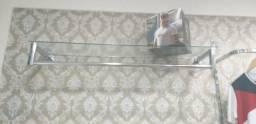 Araras de parede com vidro