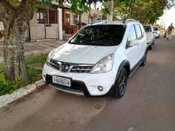 Nissan Livina 2014 X-Gear com GNV geração 5