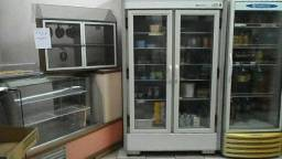 Prateleiras, balcão refrigerado e seco, freezer