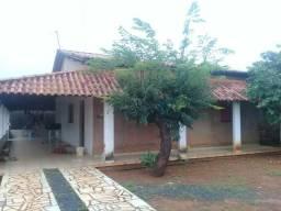 Vende-se casa localizada no Setor Sul Formosa-G