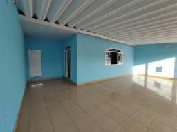 Casa no bairro Castanheiras, 3 qtos, pronta para morar!
