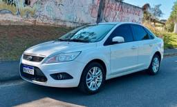 Torrrrrooooo!!!! Focus Sedan GLX 2.0 Automático 2013 - - R$ 25.999,00