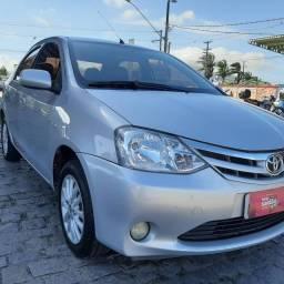 Toyota Etios XLS 1.5 completo mais couro, $32.900,