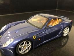 Miniatura Ferrari (carrinho de coleção )