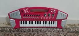 Pianinho / teclado infantil Barbie