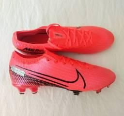 Chuteira Nike Vapor 40