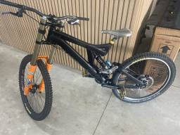 Bicicleta downhill specilazer