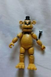 Boneco Golden Freddy