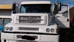 Vende-se caminhão engatado