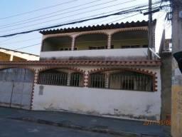 Alugo casa em condominio fechado em Bangu - 1200 reais