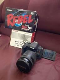 Canon T6i com Lente 18-200, seminova