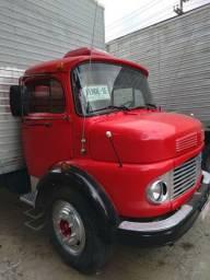 Caminhão Baú 1113