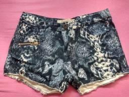 Shorts estampado Tam 38
