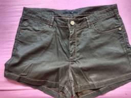 Shorts couro verde escuro Tam M