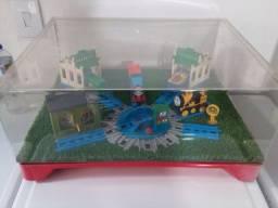 Expositor diorama trenzinho thomaz