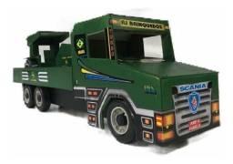 Brinquedo Caminhão com Trator de madeira