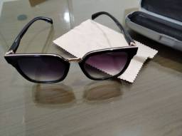 Óculos de sol sem grau