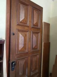Porta de imbuia maciça
