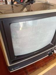 Vendo TV national antiga