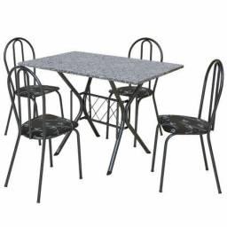 Mesa de Mármore pura com 4 cadeiras