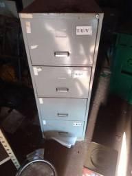 Máquinas de limpeza e material para escritório