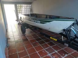 Barco alumínio com reboque