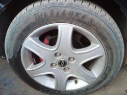 Rodas 15  com pneus bons 90%