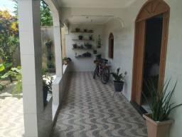 DOS-13-Alugo casa grande em Jacaraipe com 3 qts semi mobiliada.